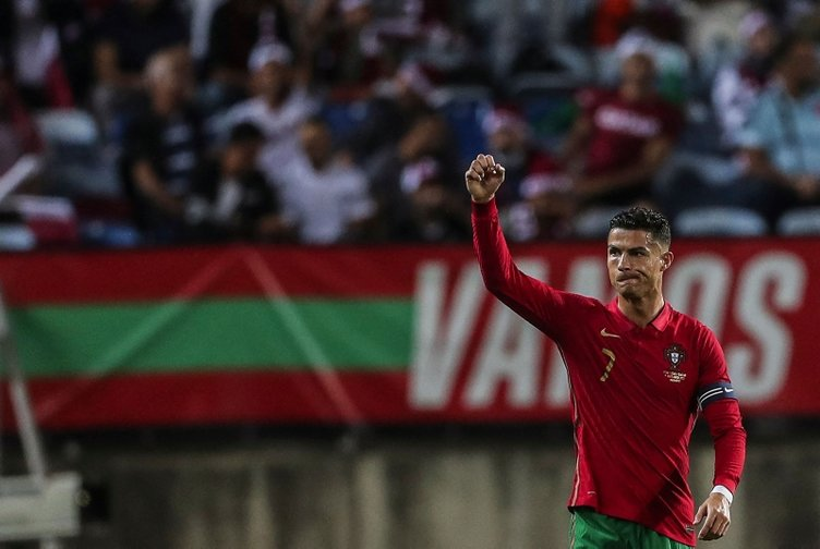 Rekorların efendisi Cristiano Ronaldo her şeye sahip! İşte bu zamana kadar kırdığı tüm rekorlar…