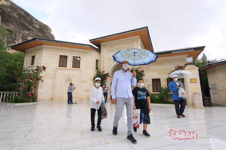 Somuncu Baba Külliyesi, ziyaretçilerini kontrollü ağırlıyor