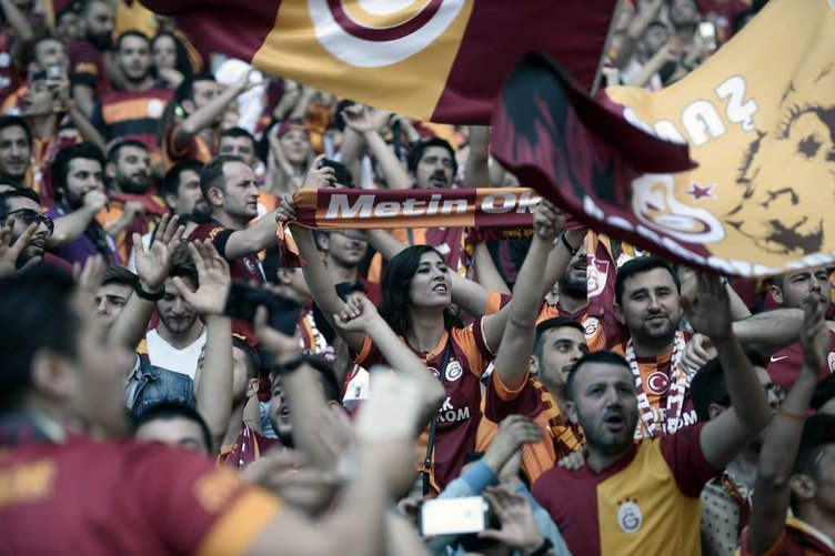 Galatasaray'dan muhteşem şampiyonluk kutlaması