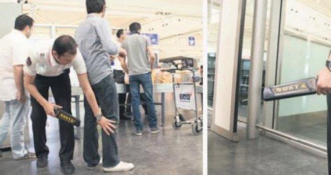 'Öğrenciler kıyafetleri çıkarılarak arandı' iddiası