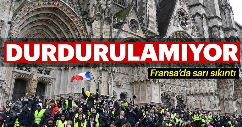 Fransa'da sarı yeleklilerin gösterileri sürüyor