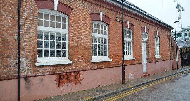 PKK yandaşları Londra'da camiye saldırdı