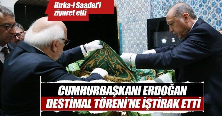 Cumhurbaşkanı Erdoğan, Hırka-i Saadet'i Ziyaret Etti