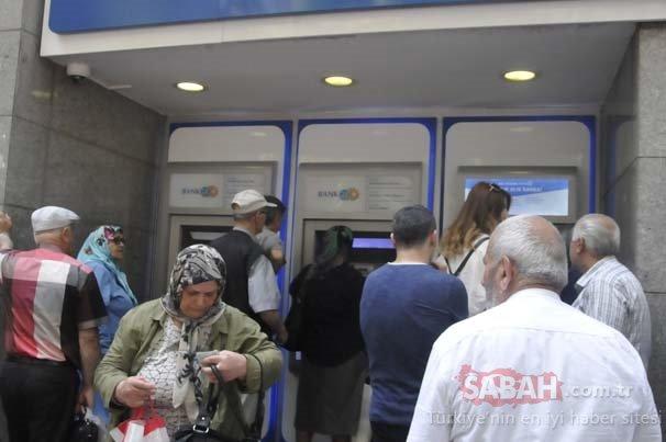 Beklenen gün geldi! Emekliler bayram ikramiyesini almak için ATM'ye koştular