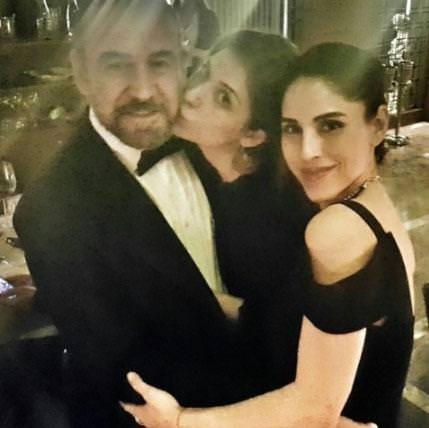 Sosyal medyada ünlülerin mutlu aile pozları