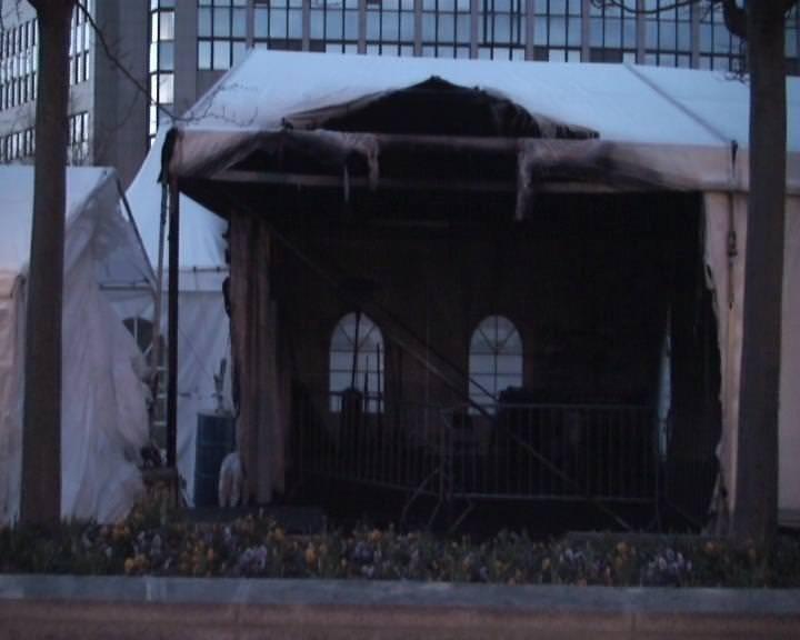Brüksel'deki PKK çadırı ateşe verildi!