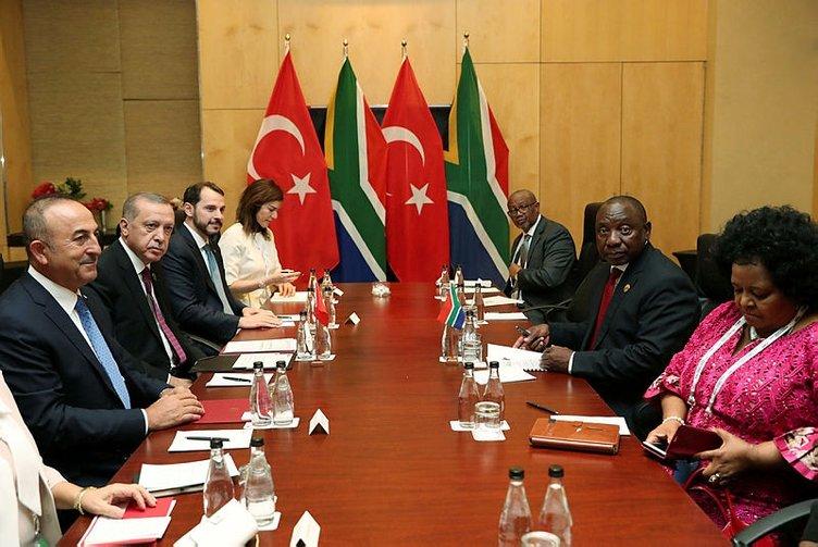 Cumhurbaşkanı Erdoğan, Muhsin Ertuğral ile görüştü