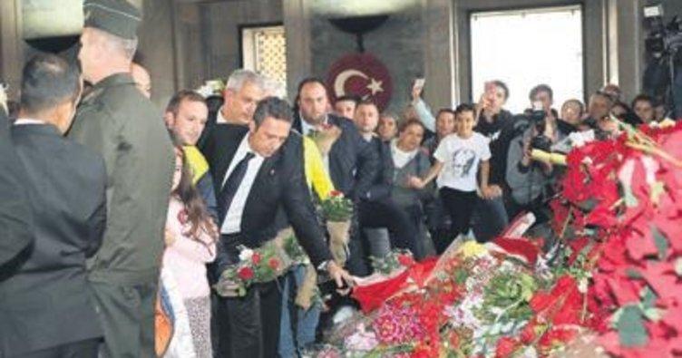 Fenerbahçe'den ATA'ya özel tişört