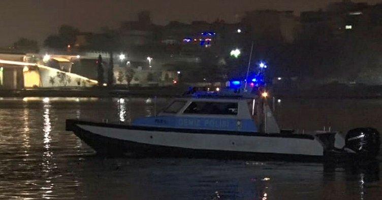 Galata Köprüsü'nde balık tutan vatandaşlar denizde erkek cesedi buldu
