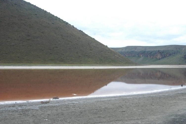 Kahreden görüntü! 'Dünyanın nazar boncuğu' Meke Gölü, kurudu