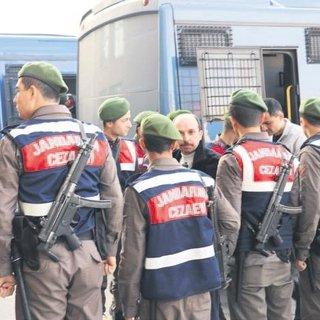 107 öğretmene gözaltı kararı 52'si yakalandı