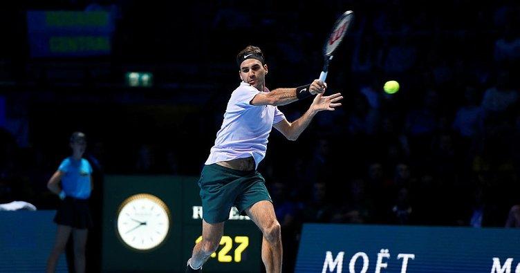 Roger Federer yarı finali garantiledi