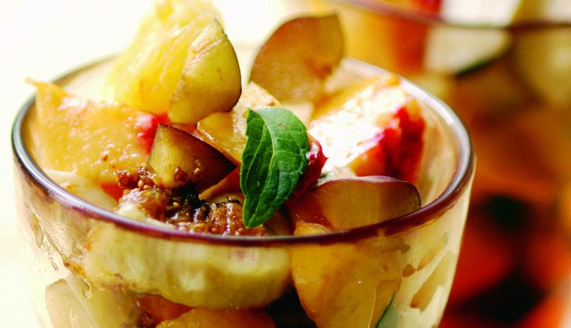 Sodalı Meyve Salatası