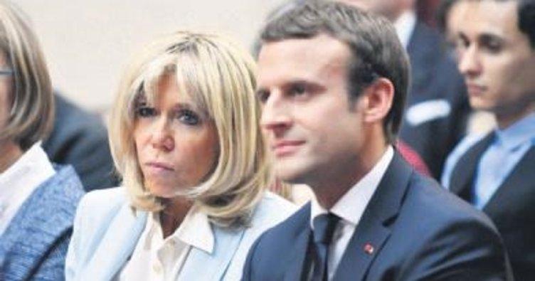 First Lady'nin statüsü Fransa'da olay yarattı