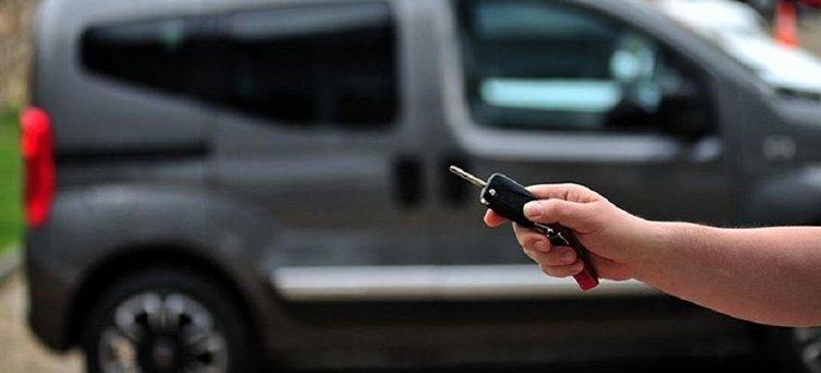 İkinci el araç fiyatları düşer mi yükselir mi? Uzmanlardan flaş uyarı: 'Elinizi çabuk tutun'