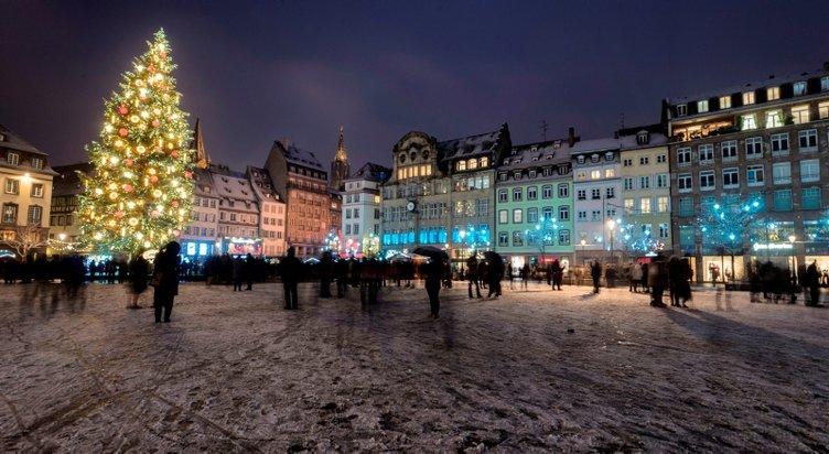 Fransa'da Strazburg şehir merkezinde silah sesleri