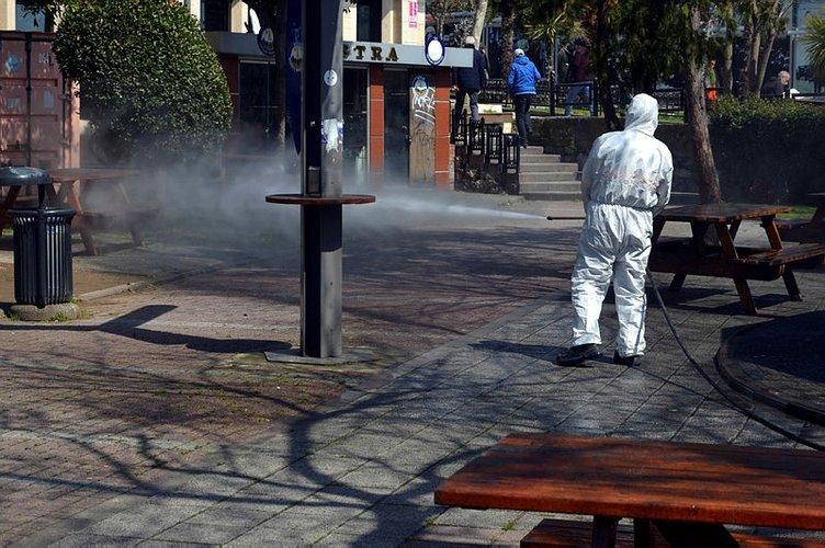 İstanbul'da akıl almaz görüntüler! Corona virüsü için temizlenen parkta saniyeler sonra bu da oldu!