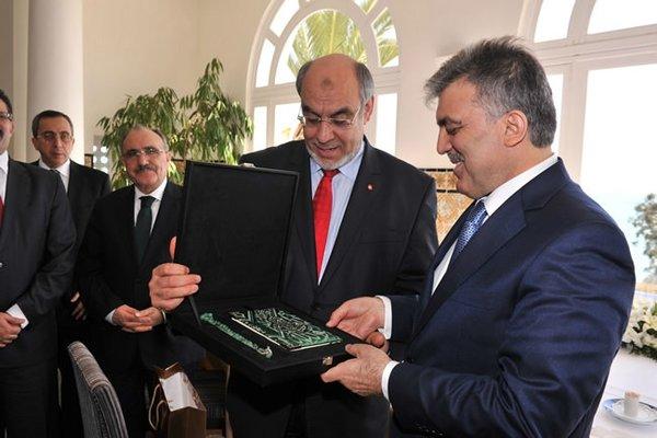 Abdullah Gül Tunus'ta