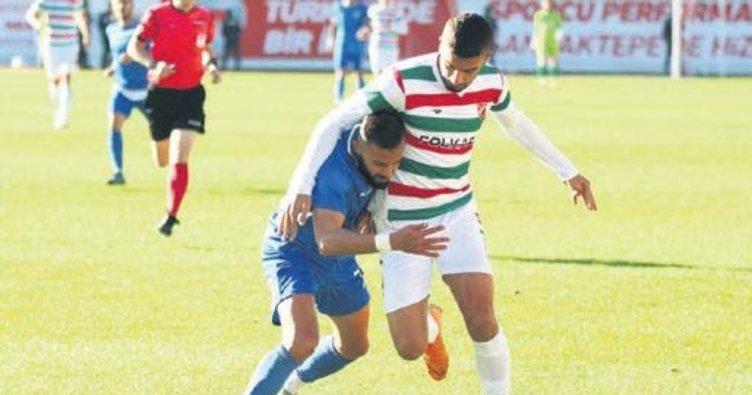 Karşıyaka futbolda İstanbul'da dağıldı