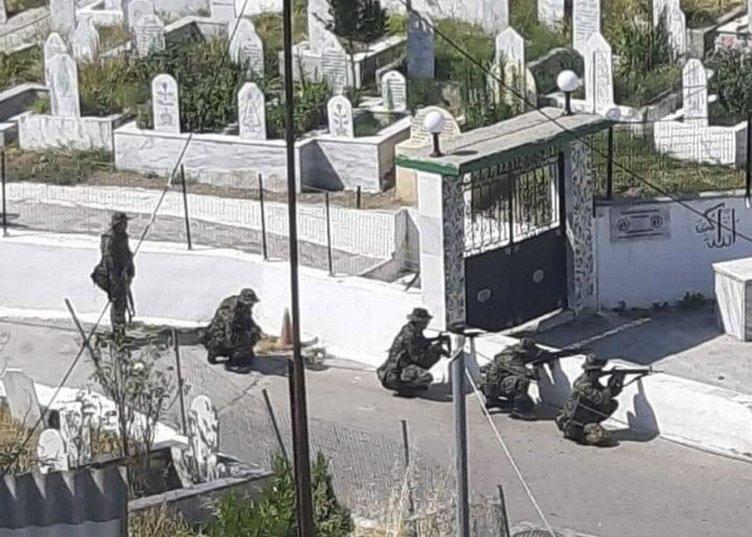 Son dakika: Yunan zulmü sürüyor! Şimdi de o fotoğrafları çeken Türklerin peşindeler! Evlerini işaretleyerek paylaştılar...
