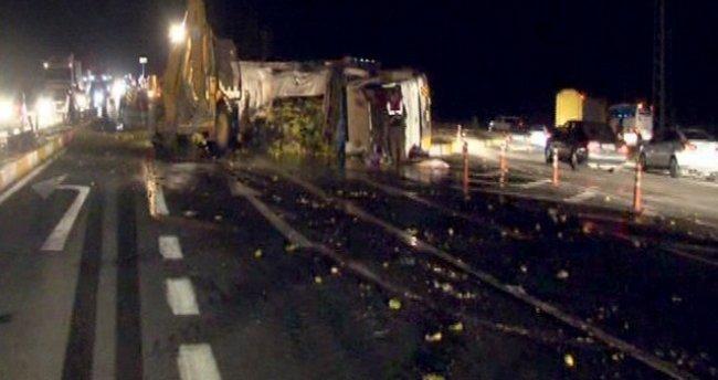 Başkent'te belediye otobüsü ile kamyon çarpıştı: 22 yaralı