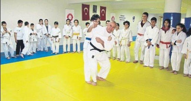 Duayen judocuya son veda