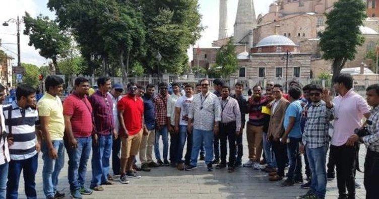 Hintli çalışanların İstanbul tatili renkli görüntülerle başladı