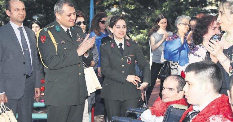 Engelli gençlerin temsili askerlik heyecanı