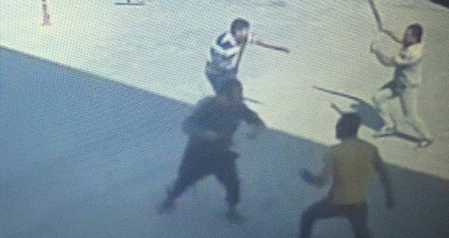 Adana'da bıçaklı, sopalı kavga: 1 ölü, 2 yaralı