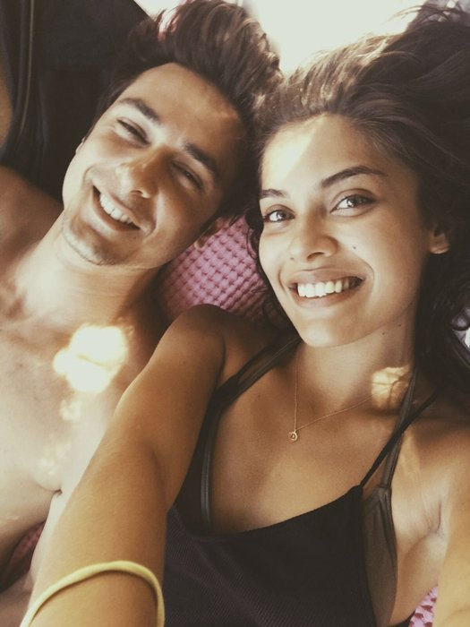Güzel oyuncu Biran Damla Yılmaz tatilde aşk tazeledi!