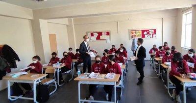 Esendere Belediyesinden öğrencilere kitap desteği #hakkari