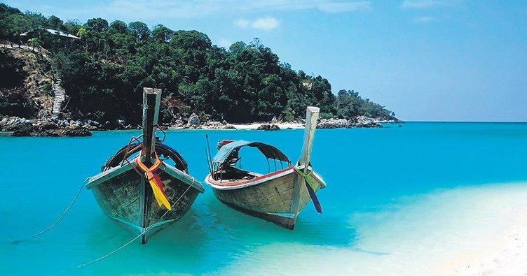 Renklerin ve medeniyetlerin birbirine karıştığı Zanzibar