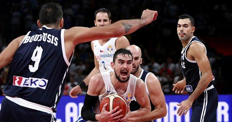 Çekya: 77 - Yunanistan: 84