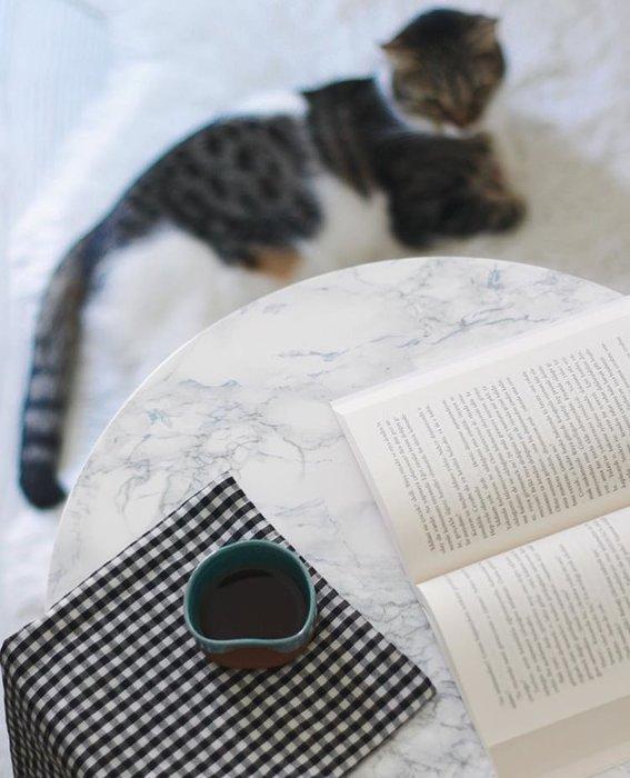 Siz kitabınızı dekor için mi aldınız yoksa gerçekten okumak için mi?