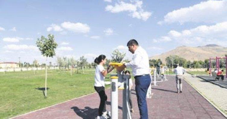 Ahmed-i Hani Parkı'nın ikinci etabı tamamlandı