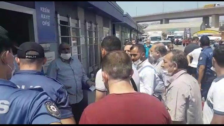 SON DAKİKA: İBB'nin kasapları kurbanlığı kaybetti! Şok iddia: Kurbanı kesecek kişi, nasıl keseceğim diye soruyor?