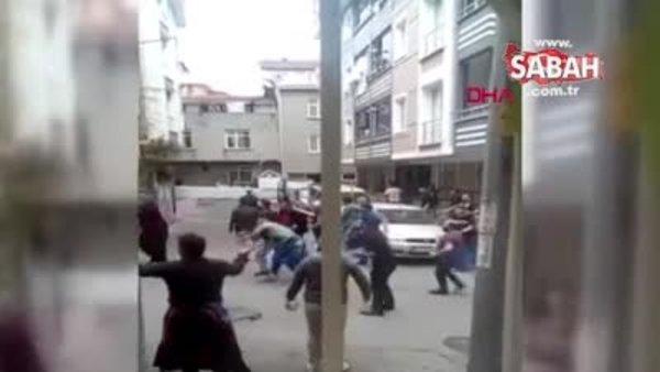 Bağcılar'da pazarcılarla yabancı uyruklu kişilerin taşlı sopalı kavgası kamerada   Video