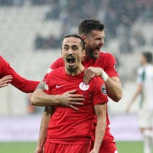 Antalyaspor, Bursa'da kazandı