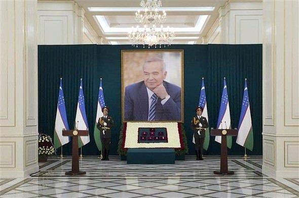 Özbekistan Cumhurbaşkanı Kerimov toprağa veriliyor