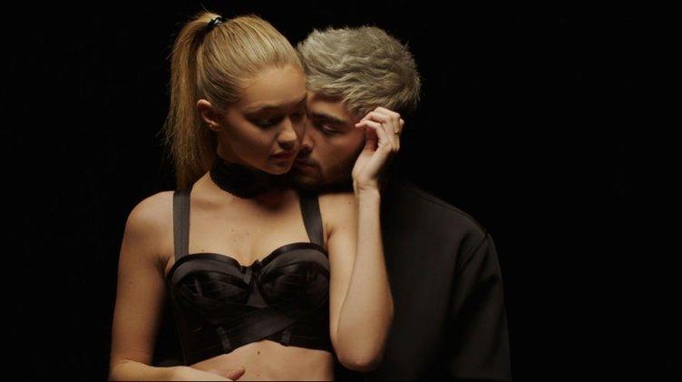 Gigi Hadid ile Zayn Malik'in aşk pozu