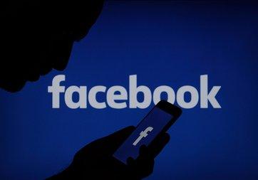 WhatsApp, Facebook ve Instagram Huawei telefonlarda ön yüklü olmayacak!