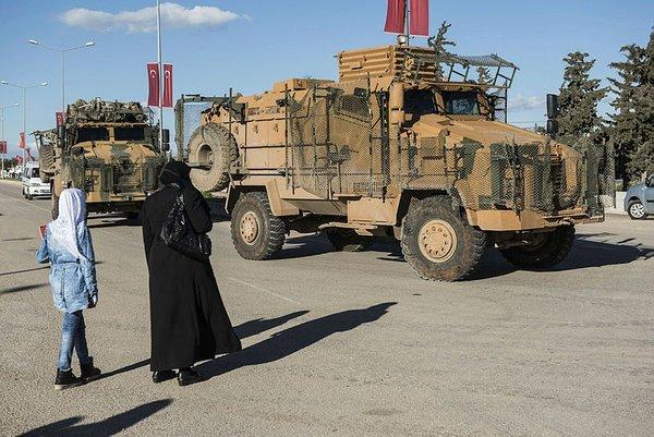 50 'Kirpi' Afrin'e doğru gidiyor