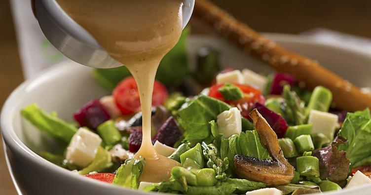 Salatanıza bu besinleri sakın koymayın!
