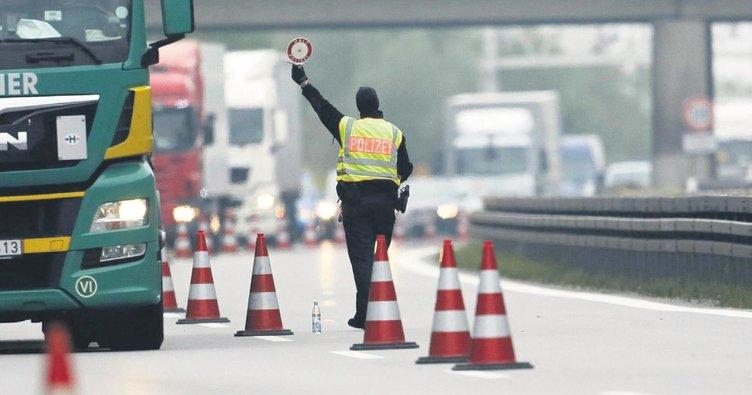 Almanya'da kaos kapıya dayandı