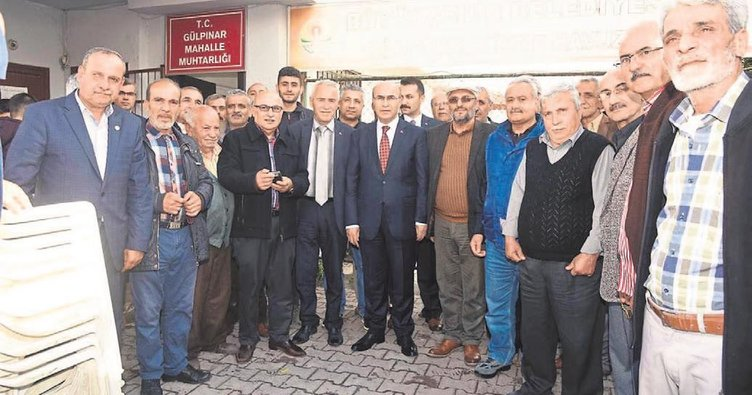Vali Demirtaş mahalleleri gezip vatandaşları dinliyor