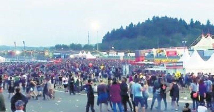 Rock festivalinde 90 bin kişiye terör tahliyesi