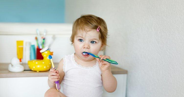 Bebeklerde diş bakımı nasıl olmalıdır?