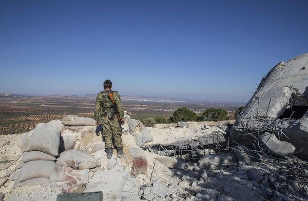 Afrin'de teröristlerin gizlendiği bir tünel daha bulundu