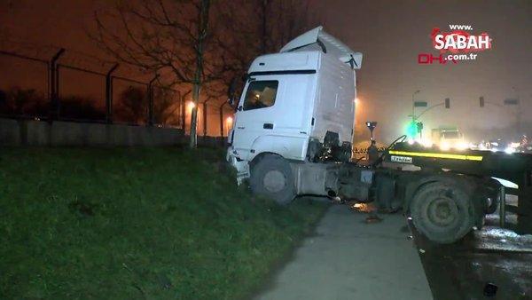 SON DAKİKA: İstanbul'da damperi açılan hafriyat kamyonu önce üst geçide çarptı: 2 yaralı| Video