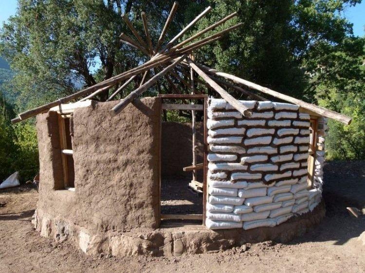 Kendisine 1.500 TL'ye  öyle bir ev yaptı ki... Görenlerin aklını başından alacak...